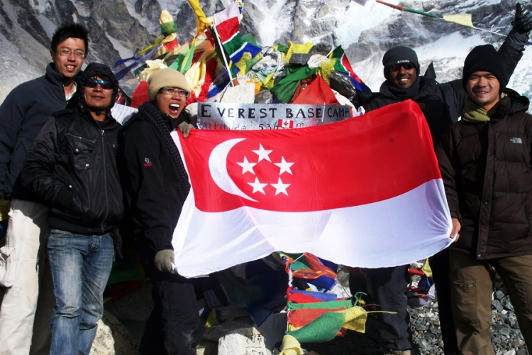 Bunch of Singaporeans at everest base camp