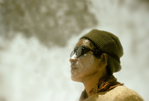 tenzing norgay staring at everest summit