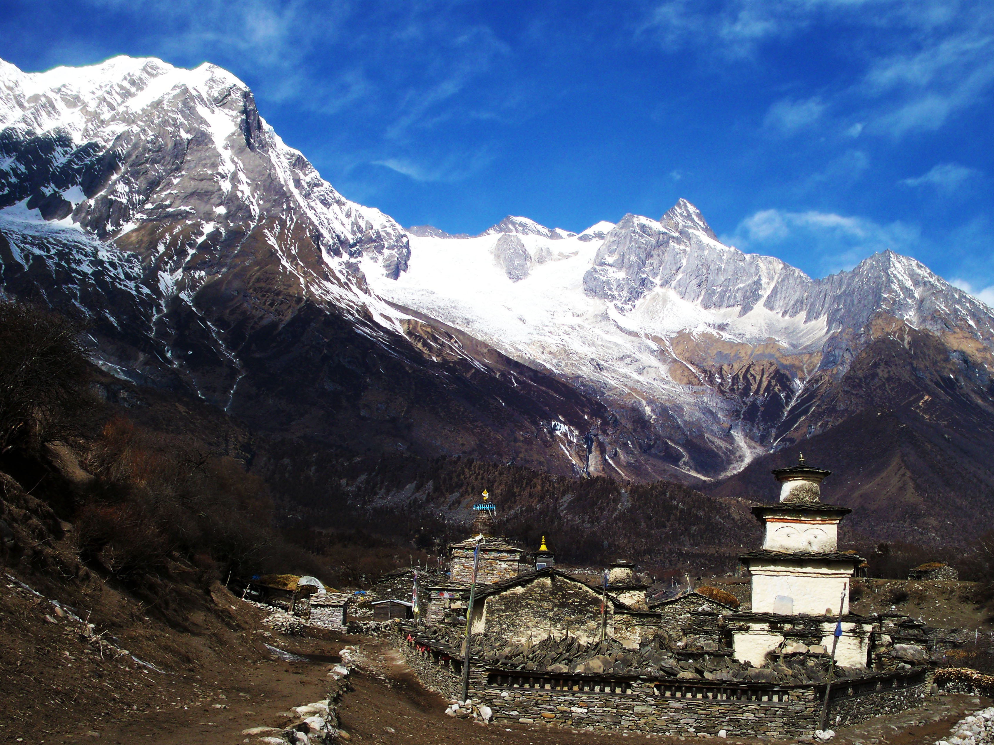 Manaslu Circuit Trek: Cost, Map and other Essentials ...