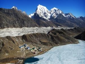 Dudh Koshi Ngozumpa glacier