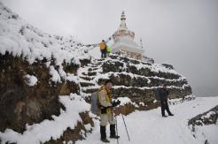 Buddhist stupa on the way to Gorakshep
