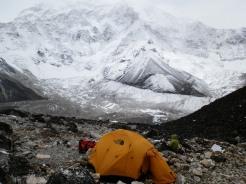 A tent at Amphu Laptsa Pass