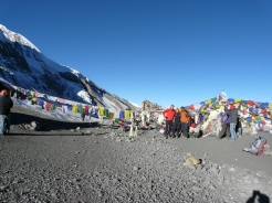 Sudip with tourists at Thorong la