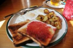 Toast ad eggs
