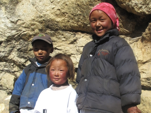 Kids from Sherpa community