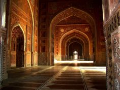 Taj Mahal's interior hall