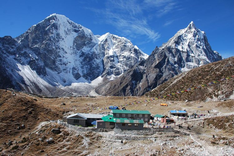 thukla valley everest base camp